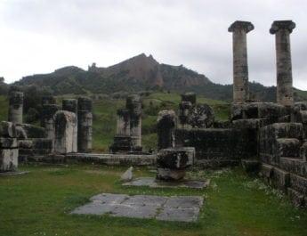 Μύθοι & αλήθειες: Σάρδεις, Βατραχομυομαχία,  Βάτραχοι του Αριστοφάνη